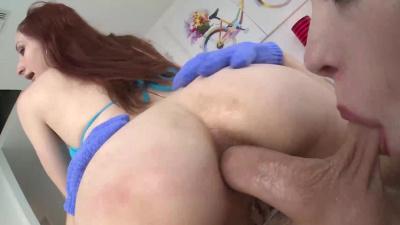 Violet Monroe and Anna de Ville crazy anal threesome