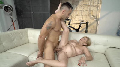 Young guy makes naughty granny Malya cum several times