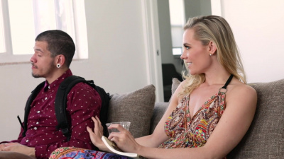 Addie Andrews makes her stepson bone her on the couch
