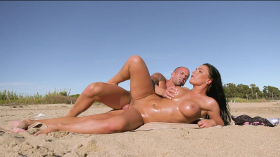 Stacked hottie Honey Demon getting all turned on fucking on the public beach