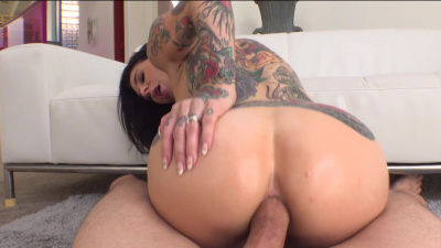 Alt-porn goddess Joanna Angel kinky ass to mouth action