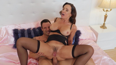 Stunning wife Lisa Ann craves her husband's employee cock