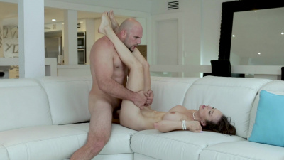 Absolute queen Lexi Luna cums over and over on hard rod