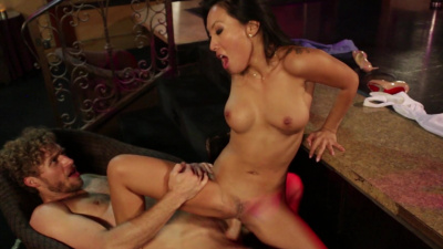 Oriental girl Asa Akira enjoys all-american cock