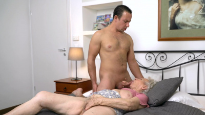Norma B needs a cock in her vintage pussy