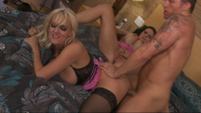 Shapely milfs Mackenzee Peirce and Stormy Daniels hot threesome