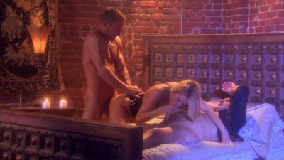 Jessica Drake pounces on two gentlemen
