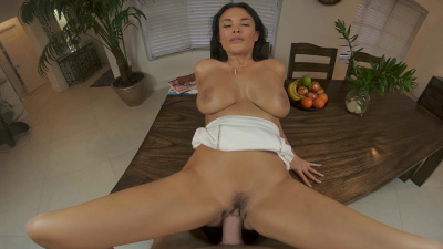 French tutor Anissa Kate teaches a lesson in sex