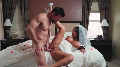Busty bride August Taylor get fucked & facialized right after her wedding