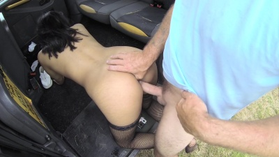Masked Maya deepthroats cab driver's dick & gets drilled to multiple orgasms